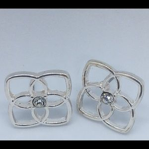 Silver Tone Flower Earrings with Crystal Centers💗